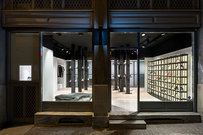 10 Stunning Storefronts Rethinking the Retail Experience on aluminum homes, landscaping homes, residential homes, real estate homes, mirror homes,
