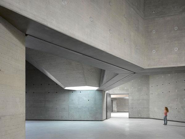 Museum hopping contemporary arts center - Interior car detailing cincinnati ...