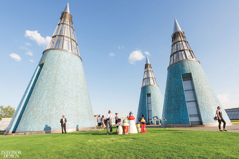 Ideal Blue-Chip Artists Transform the Bundeskunsthalle Into a  LT29