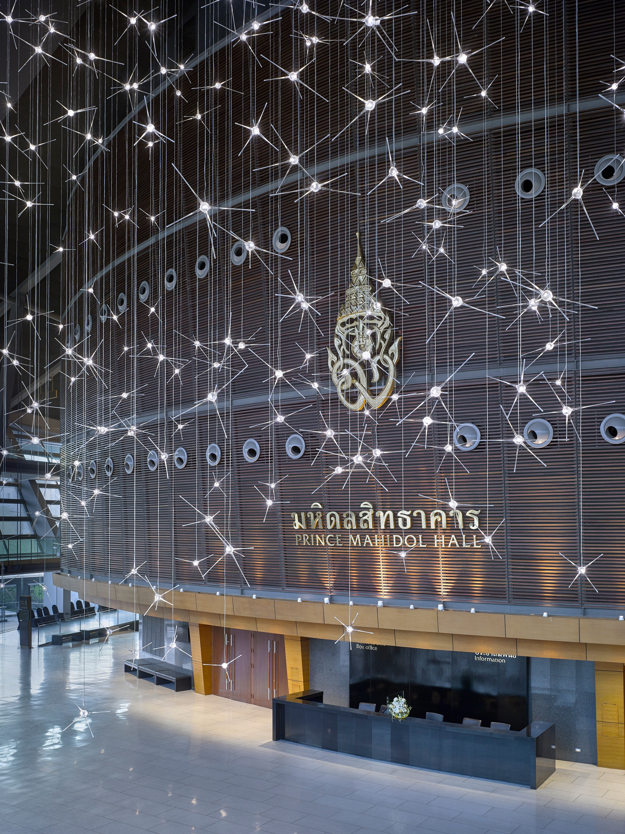 328 Bulb Lasvit Sculpture Transforms Thailand Auditorium