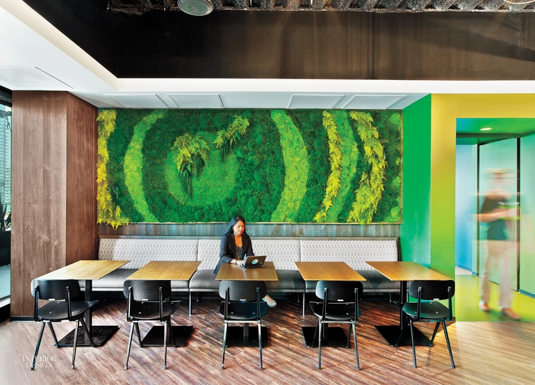 7 Simply Amazing Living Walls