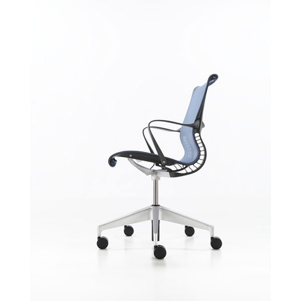 setu by herman miller look underneath this 18pound chair and youu0027ll find none of the usual rather than relying on pneumatics for comfort