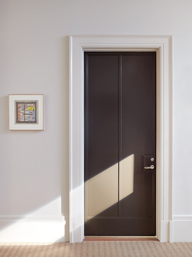 An entry door at 160 West 12th Street part of the Greenwich Lane designed by Thomas O\u0027Brien and Aero. Photography by Pieter Estersohn. & 10 Questions With... Thomas O\u0027Brien