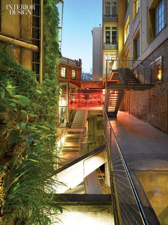 7 Simply Amazing Living Walls