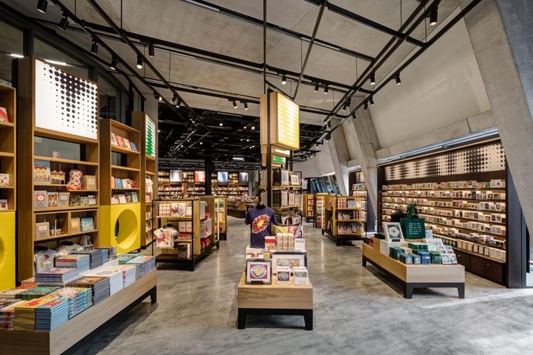 Huge Shoe Stores In Los Angeles