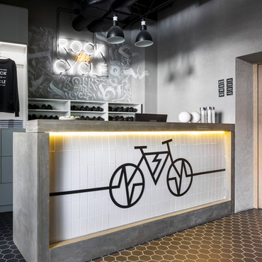Tochka Design Studio Channels Nightclubs For Cycling Studios In Russia
