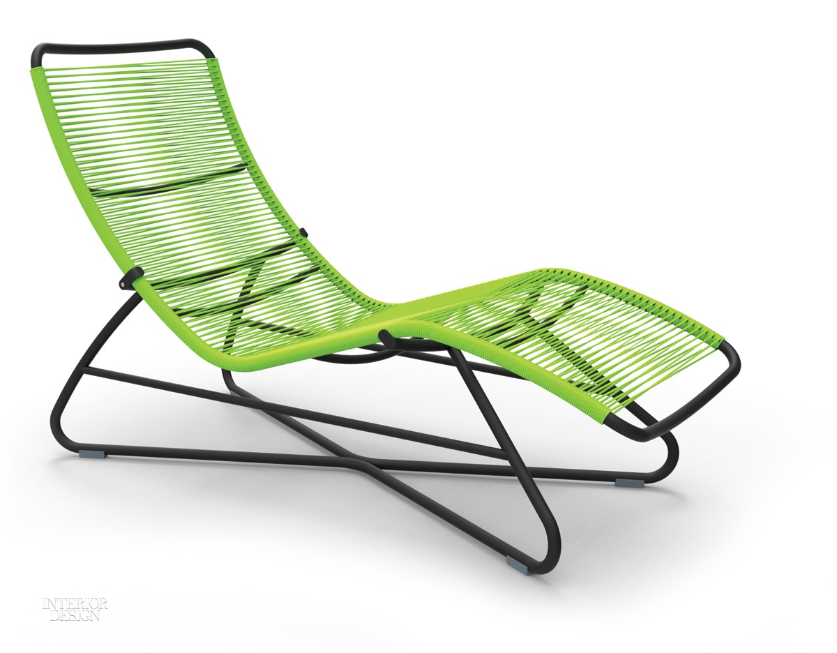8 seats for soaking up the sun for Chaise longue fermob