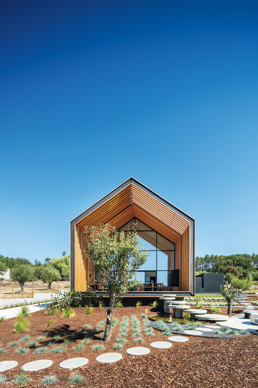 Simple Forms Define Architect Filipe Saraiva S Portugal Abode