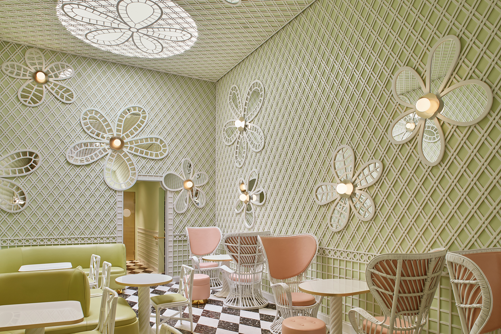 10 Questions With India Mahdavi