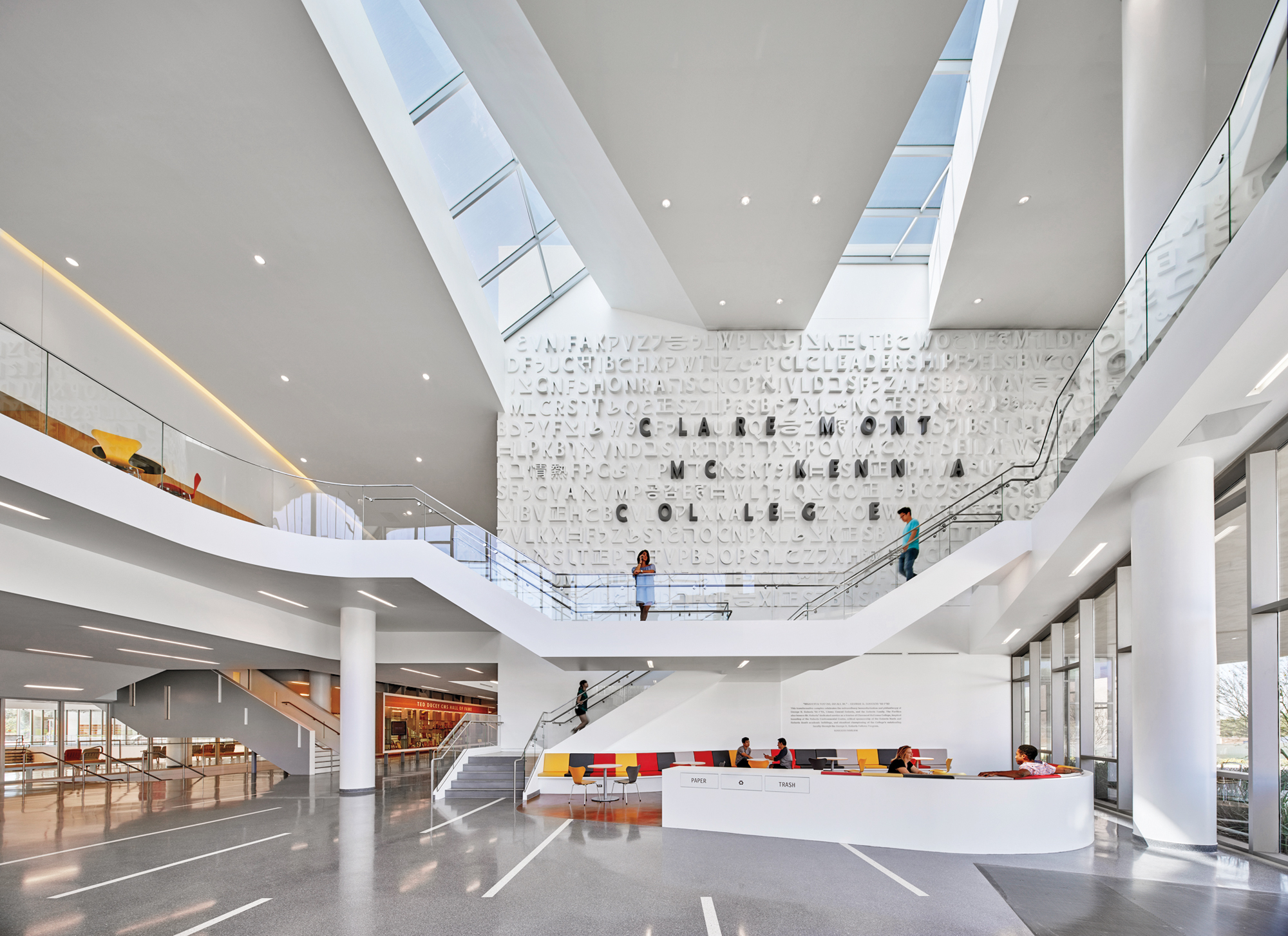 Roberts pavilion by john friedman alice kimm architects - Interior design school los angeles ...
