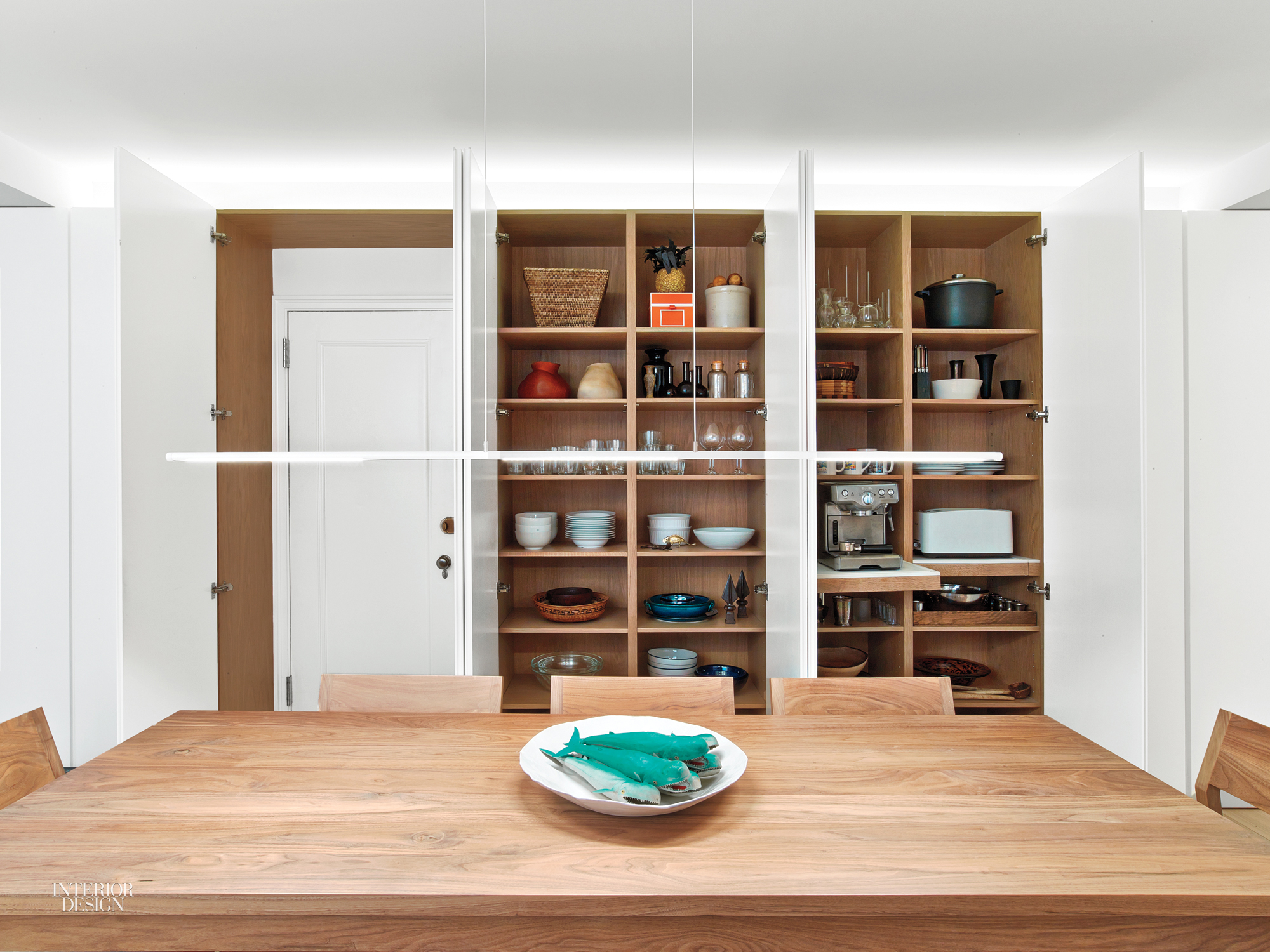 Organic Touches And Sleek Minimalism Find Harmony In An