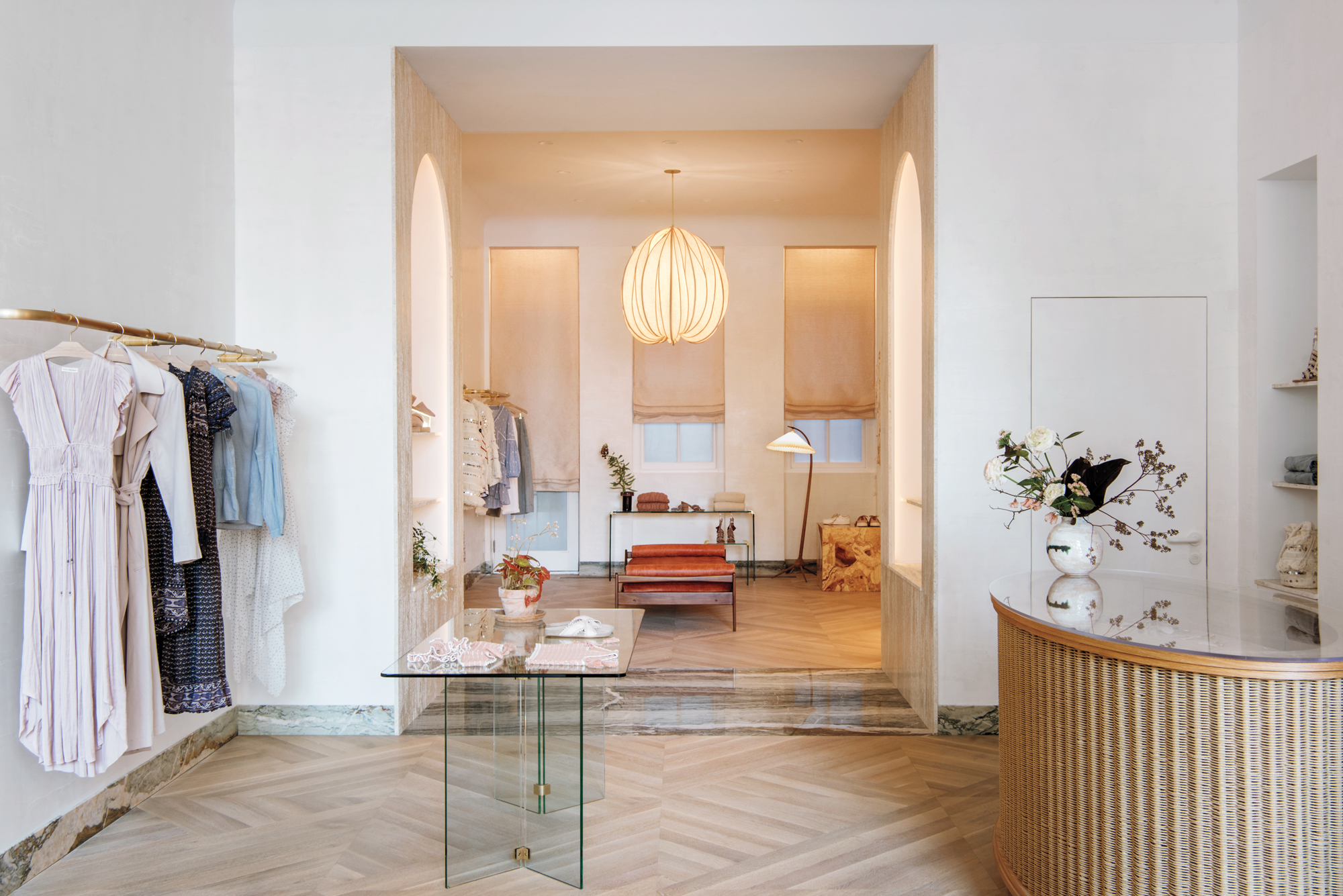 Ulla johnson s nyc boutique takes after a town house for Boutique interior design
