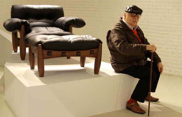 Sergio Rodrigues with his Mole chair & Sergio Rodrigues Gallery Opens Inside Espasso in LA