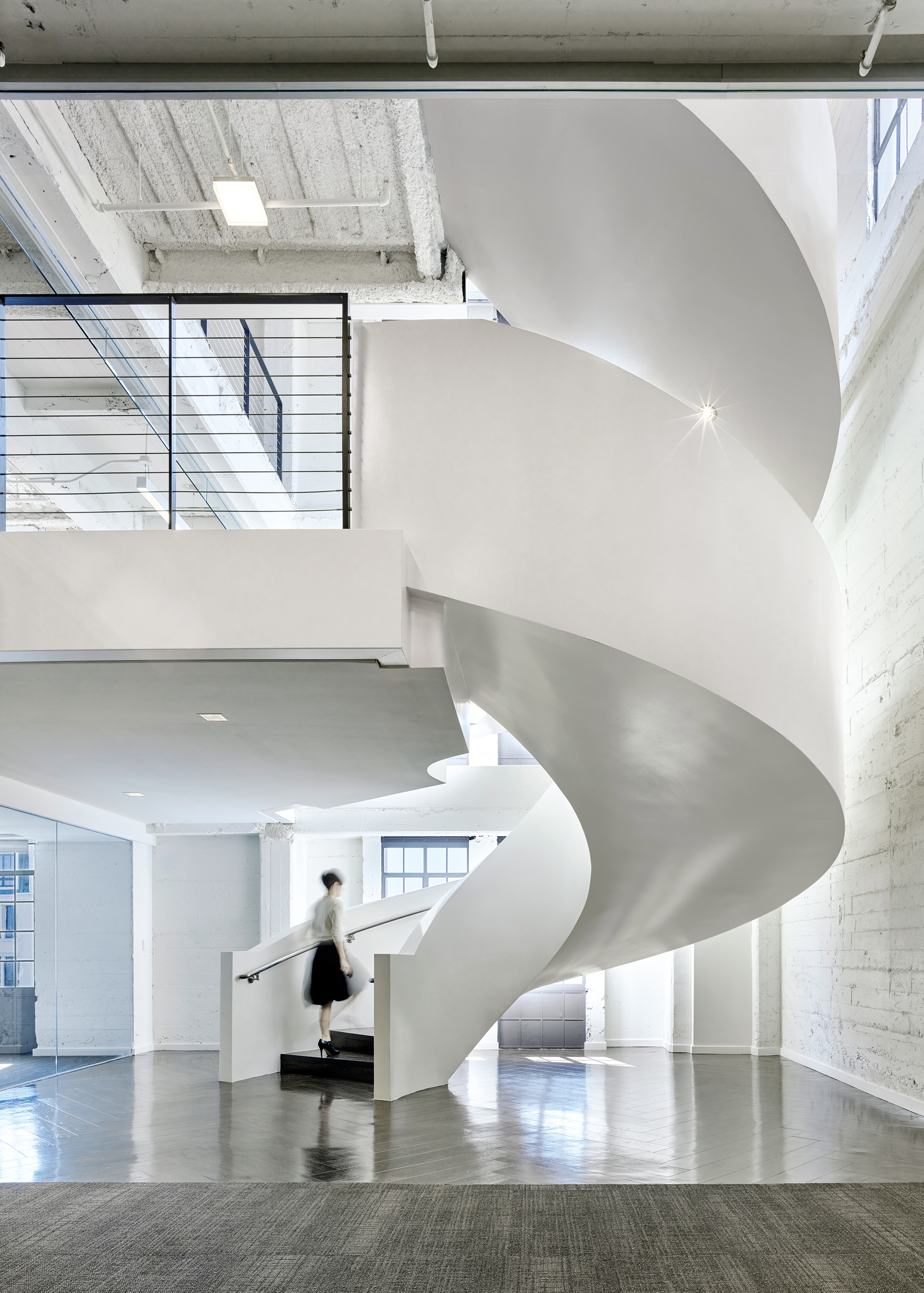 8 Simply Amazing Spiral Staircases