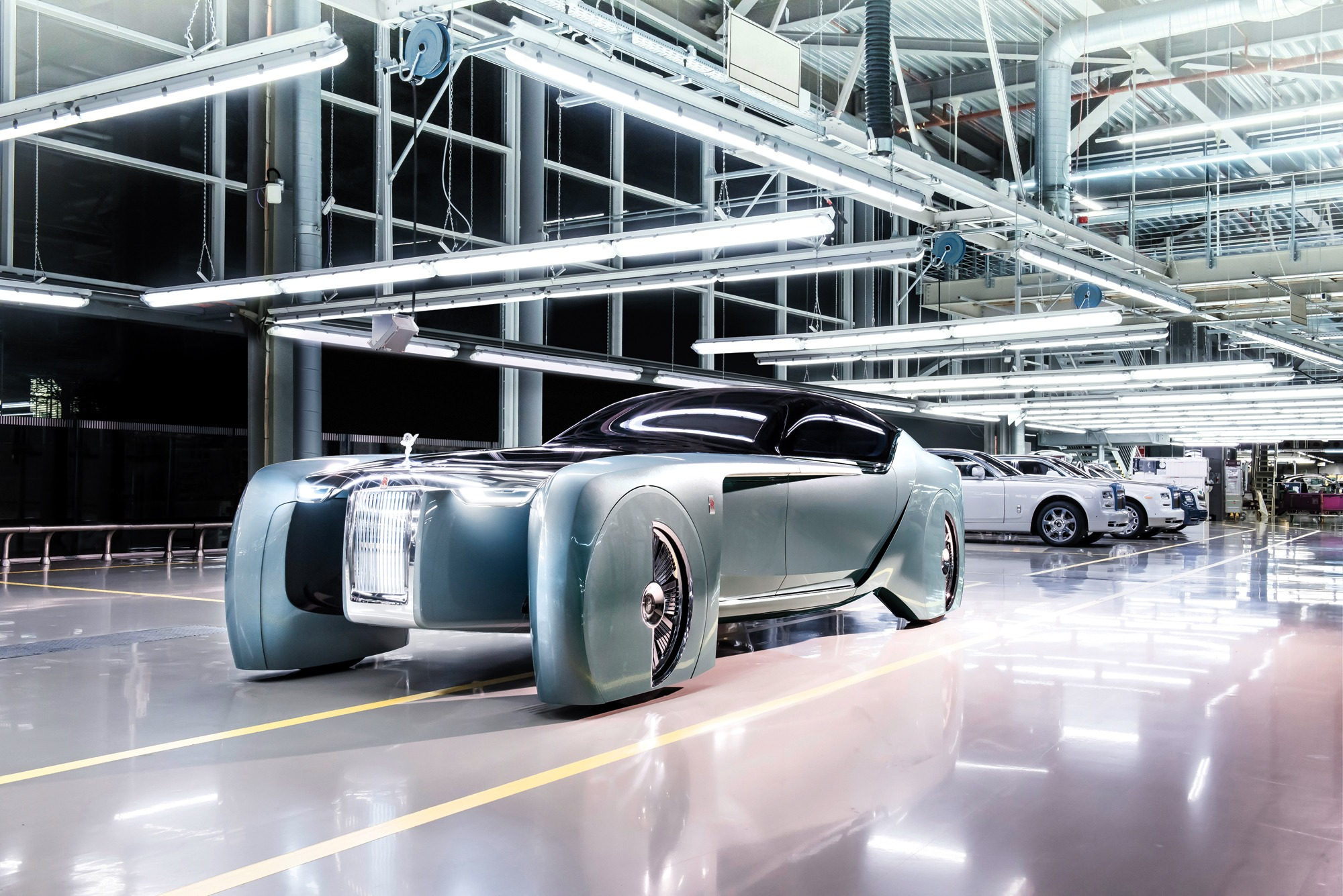 Rolls-Royce Unveils Self-Driving Prototype With Luxurious ...
